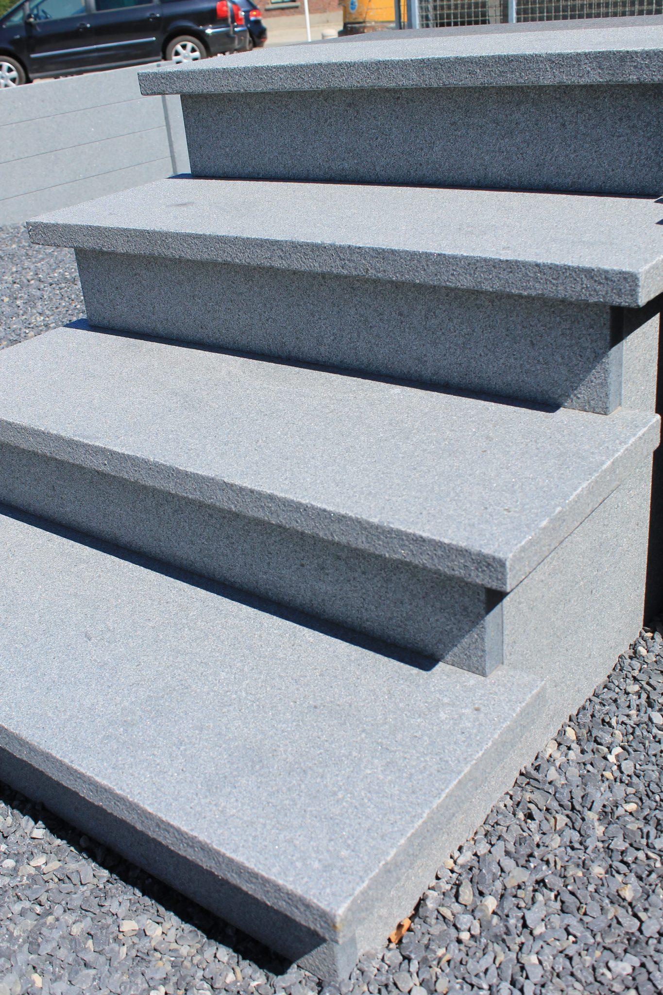 Graniet traptreden 3 de wandeleer pierre naturelle for Carrelage 90x45