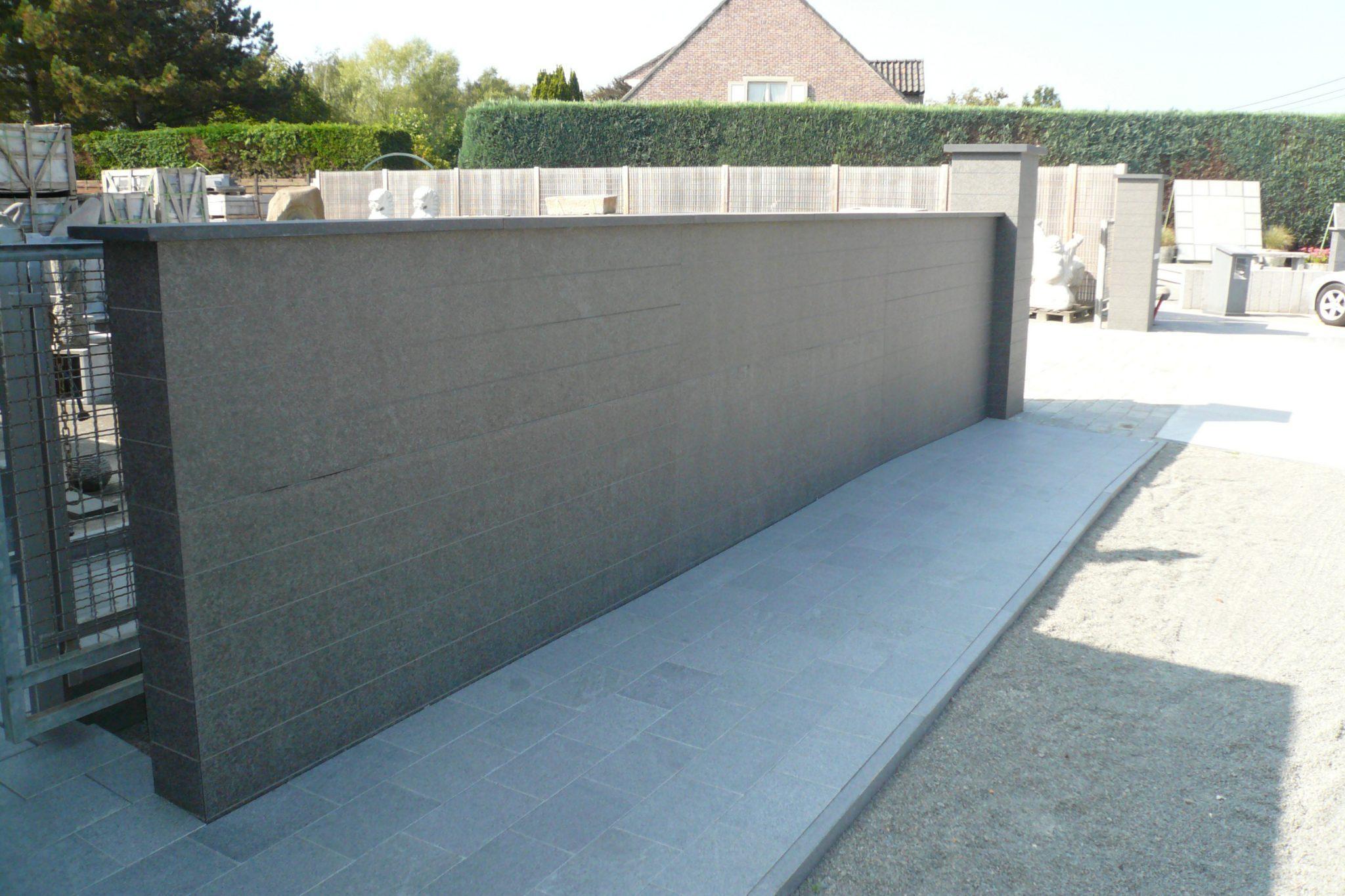Muur in zwarte graniet - De Wandeleer Natuursteen