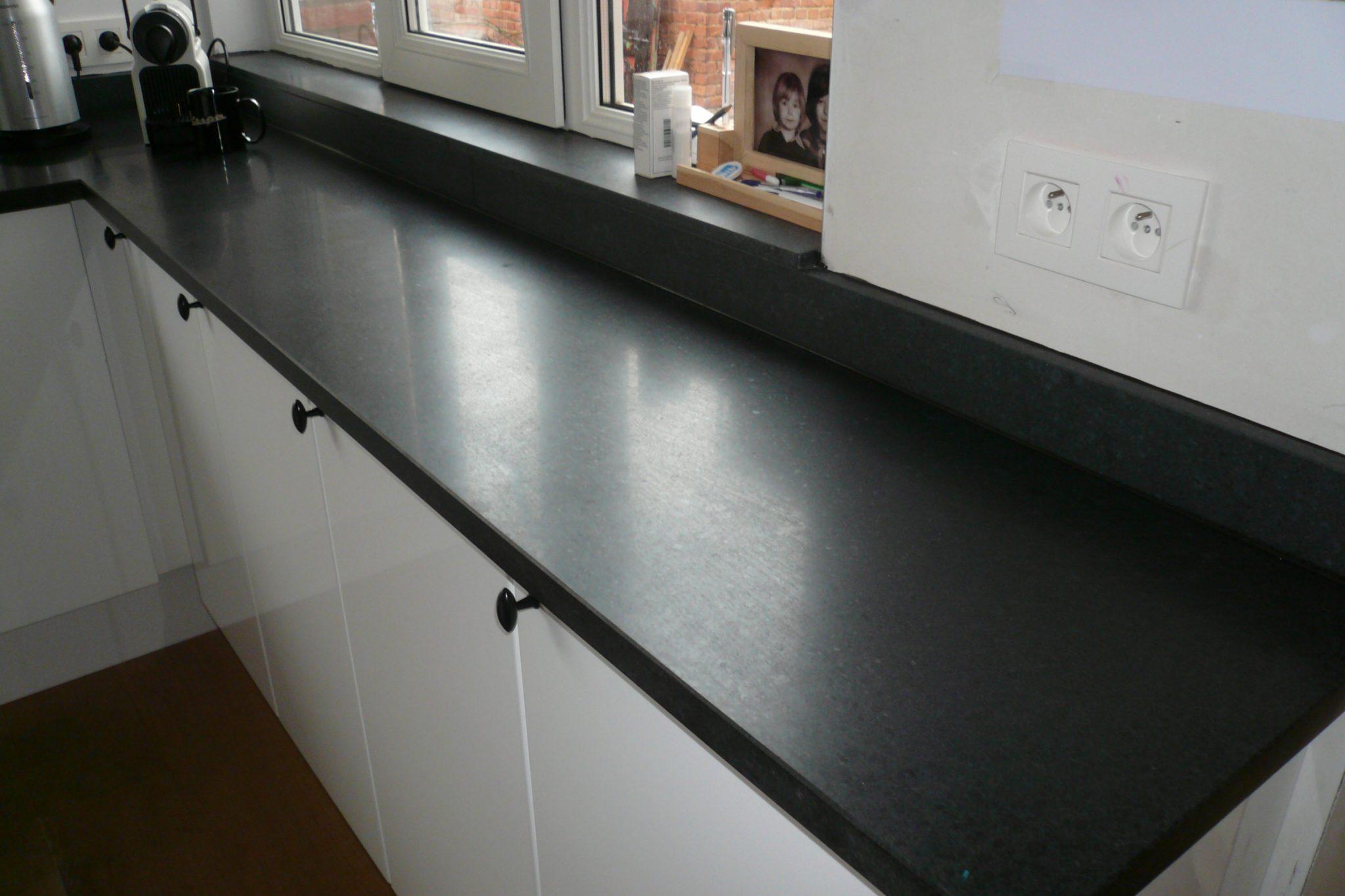 granit cuisine noir de wandeleer natuursteen. Black Bedroom Furniture Sets. Home Design Ideas