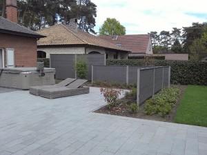 tuinscherm in zwarte graniet dubbelzijdig afgewerkt